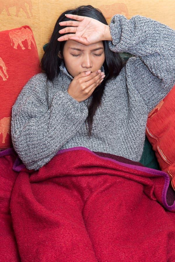 Femme malade photos libres de droits