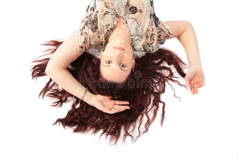 femme menteur de première vue de cheveu brun images libres de droits
