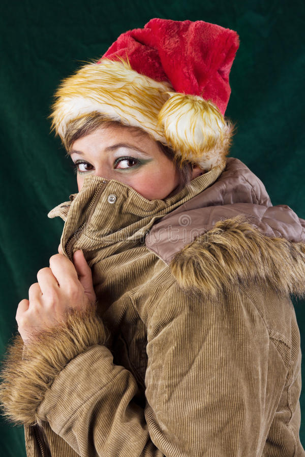 Femme mignon avec le capuchon de nicholas photo libre de droits