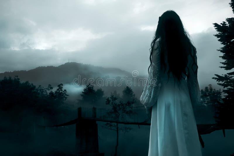 Femme mystérieux photo stock