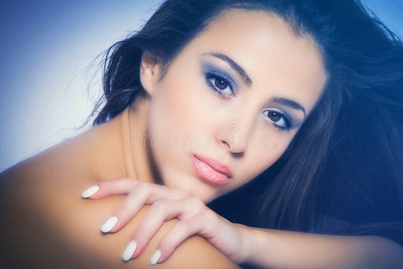 Femme nourrie de beauté photographie stock libre de droits