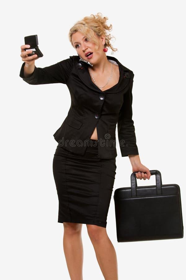 Femme occupé image stock