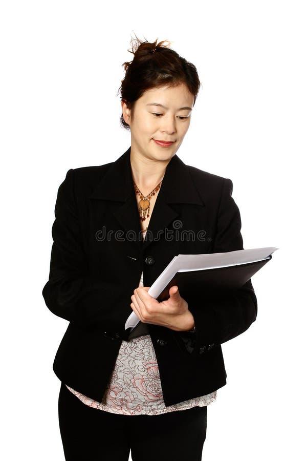 Femme oriental avec le bloc-notes photo libre de droits