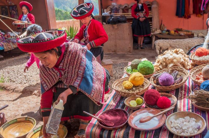 Femme péruvienne à Chinchero photos libres de droits