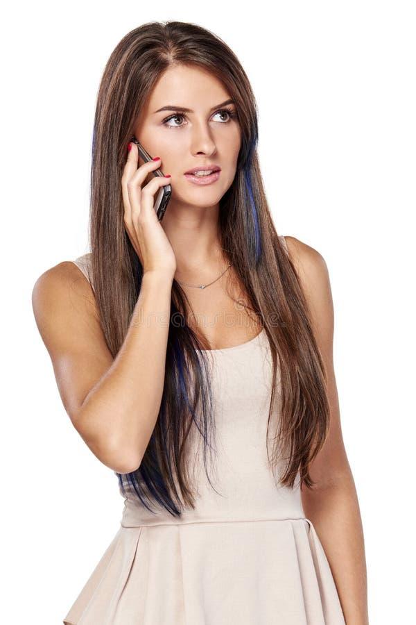 Femme parlant sur le téléphone portable images libres de droits