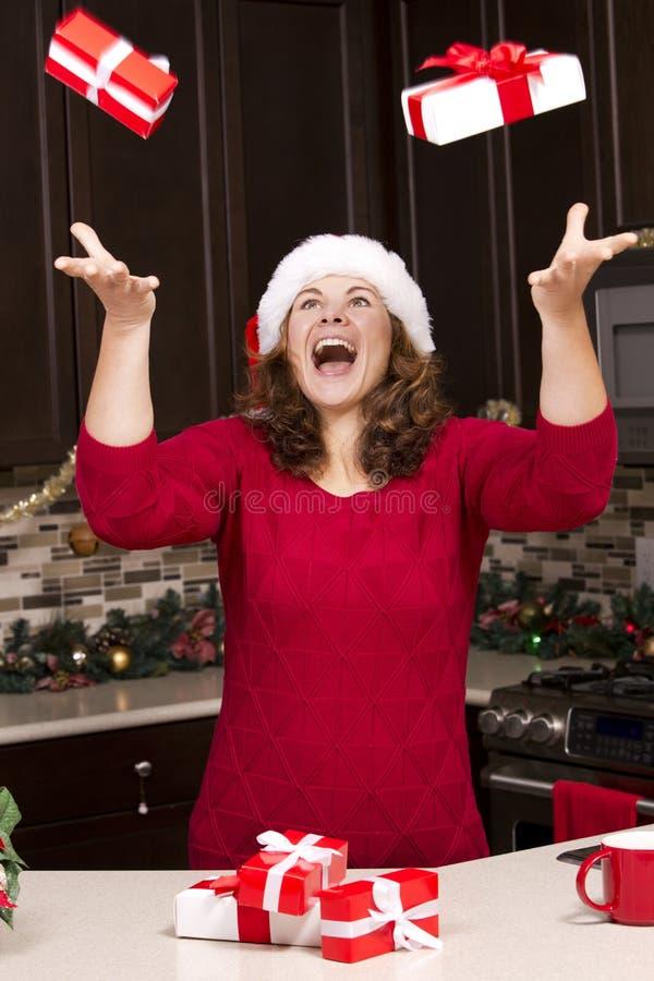 Femme pendant le Noël image libre de droits