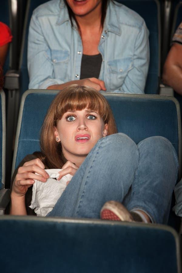 Femme pleurant dans le théâtre image libre de droits