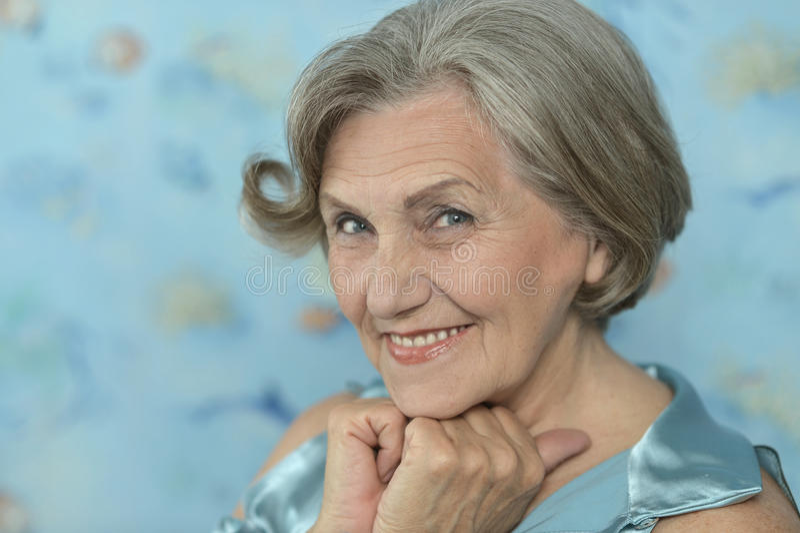 Femme plus âgée heureuse photo libre de droits