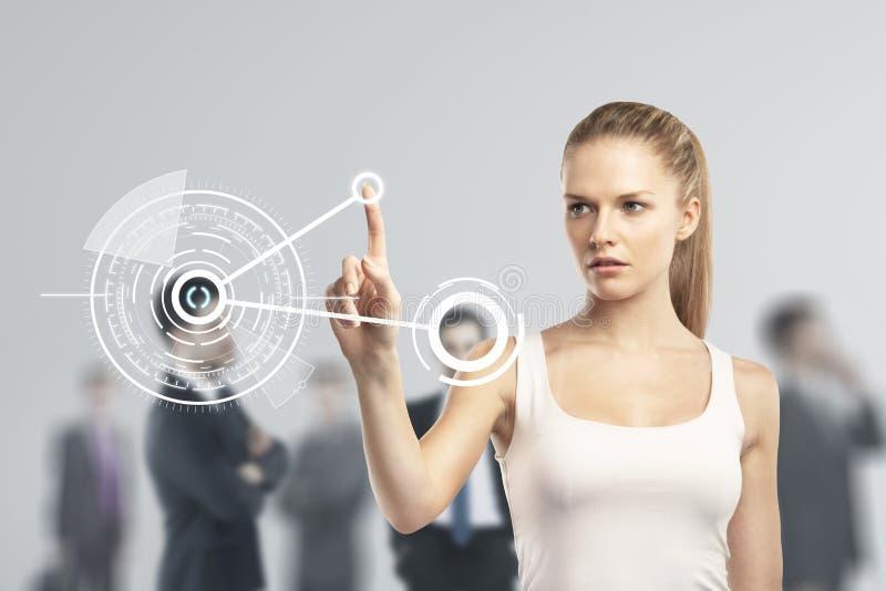 Femme poussant l'interface images libres de droits