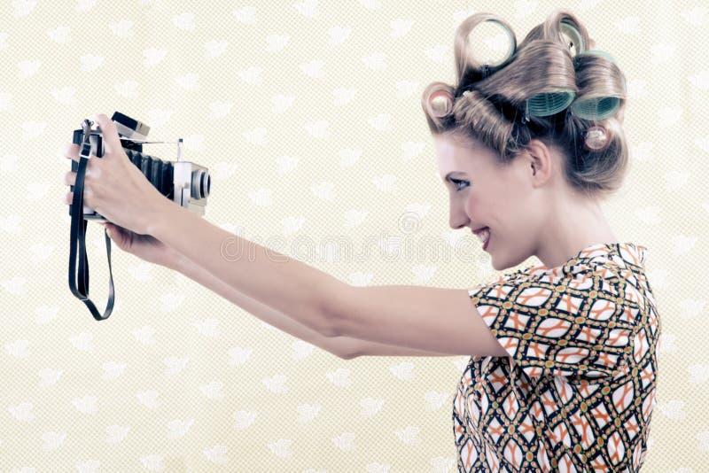 Femme prenant l'autoportrait photographie stock libre de droits