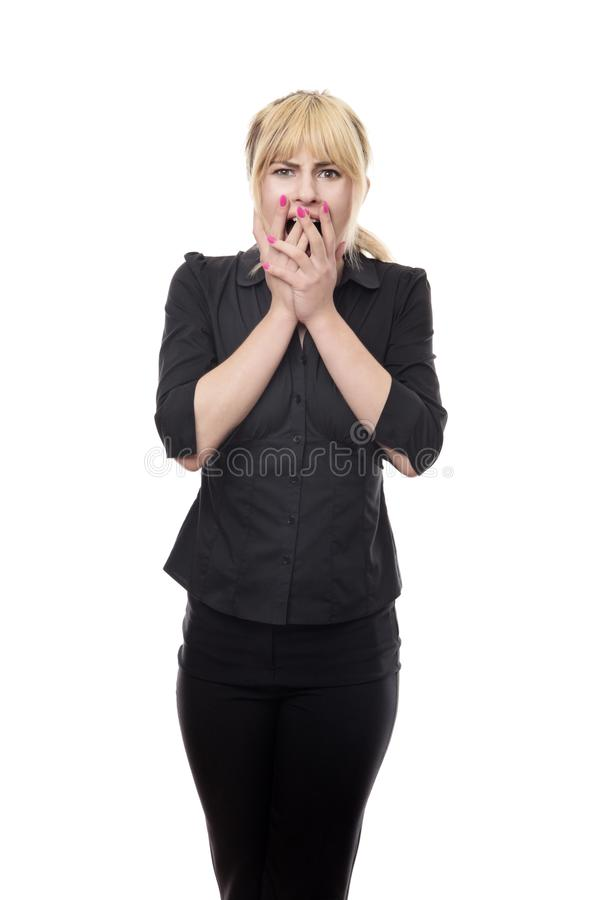 Femme regardant autour d'effrayé images stock