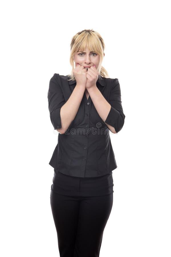 Femme regardant autour d'effrayé photos stock