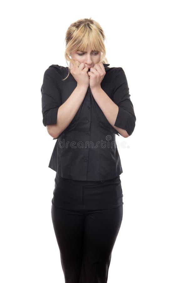 Femme regardant autour d'effrayé images libres de droits