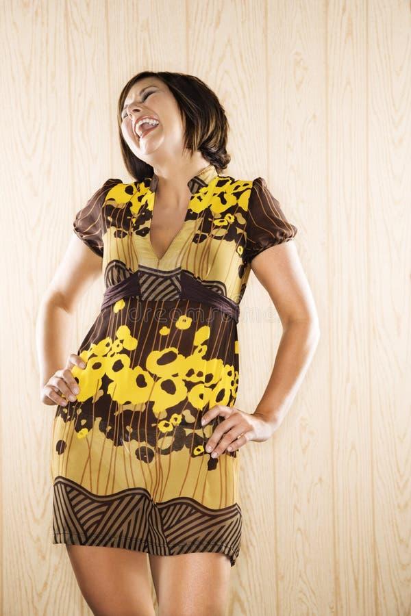 Femme riant. image libre de droits