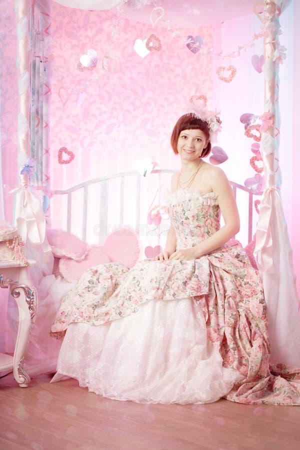 Femme romantique dans une robe de cru photos libres de droits