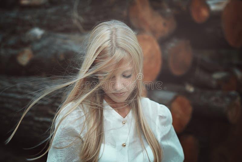 Femme romantique et triste photos stock