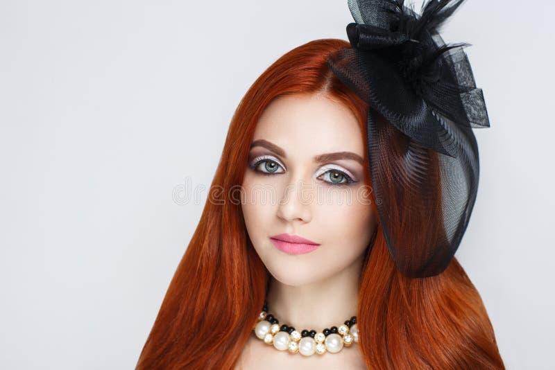 Femme rouge de cheveu image libre de droits