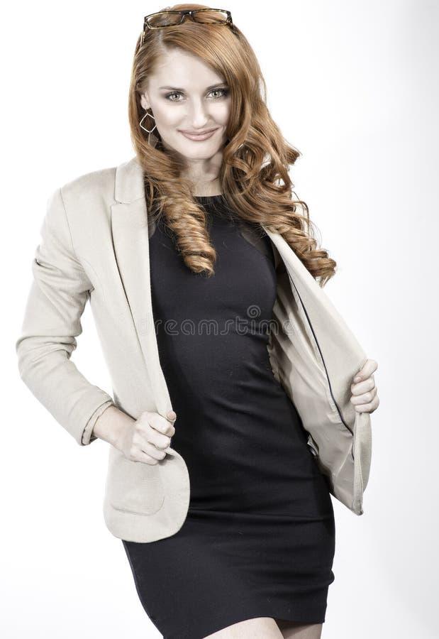 Femme rouge professionnelle de cheveux photos libres de droits