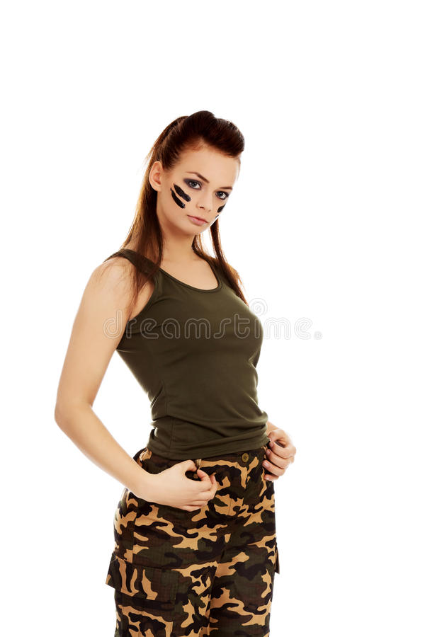 Femme sérieuse de jeune soldat de brune photographie stock