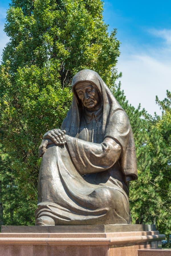 Femme s'affligeante de monument à Tashkent, l'Ouzbékistan photo stock
