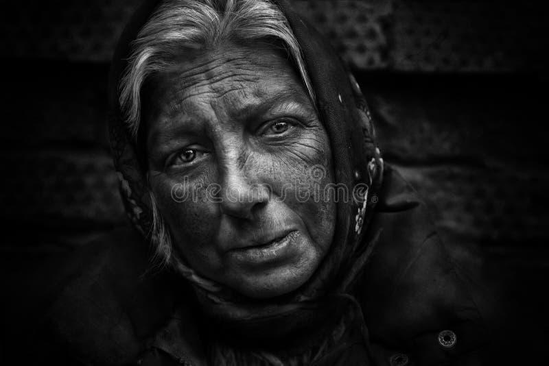 Femme sans foyer image libre de droits