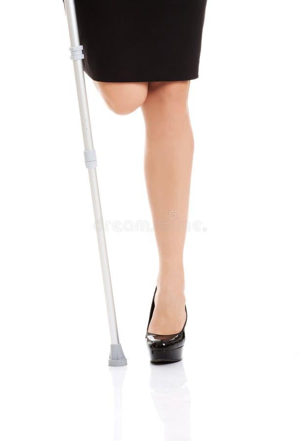 Femme sans jambe image stock image du orthop die reprise 46292053 - Photo jambe femme ...