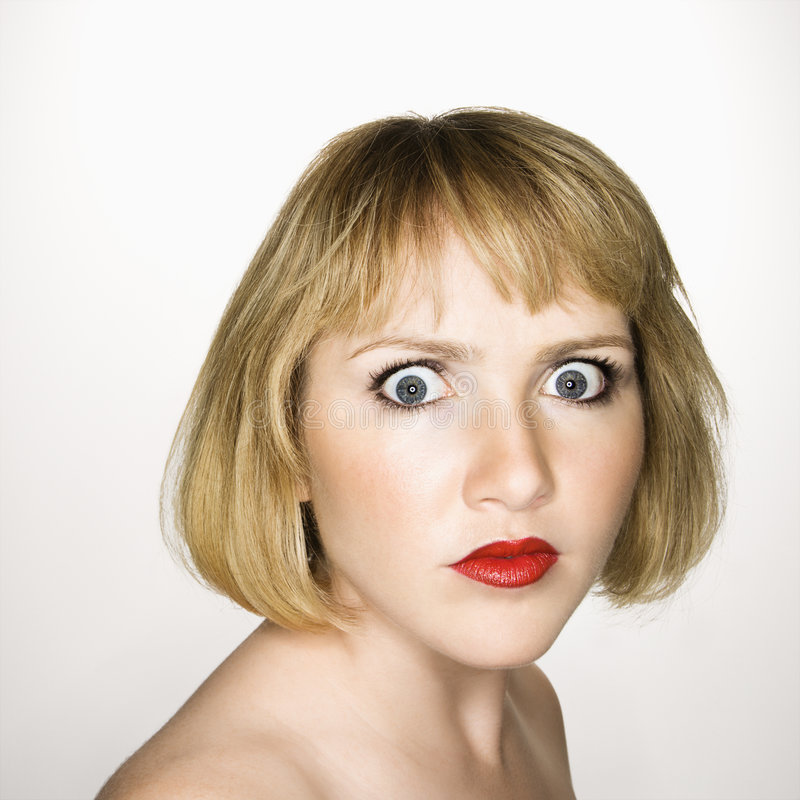 Femme semblant confondue. photo stock