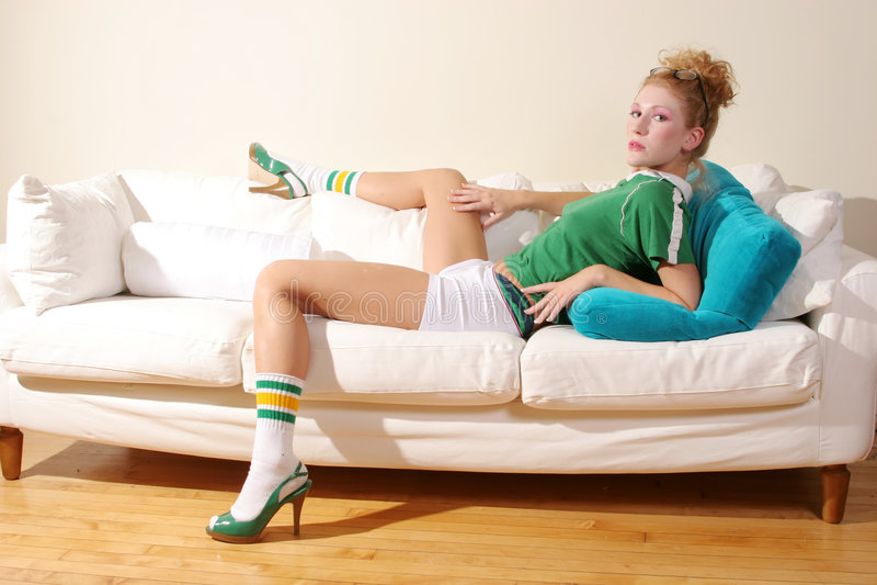 Download Femme sexy photo stock. Image du fashionable, effectuez - 2130340