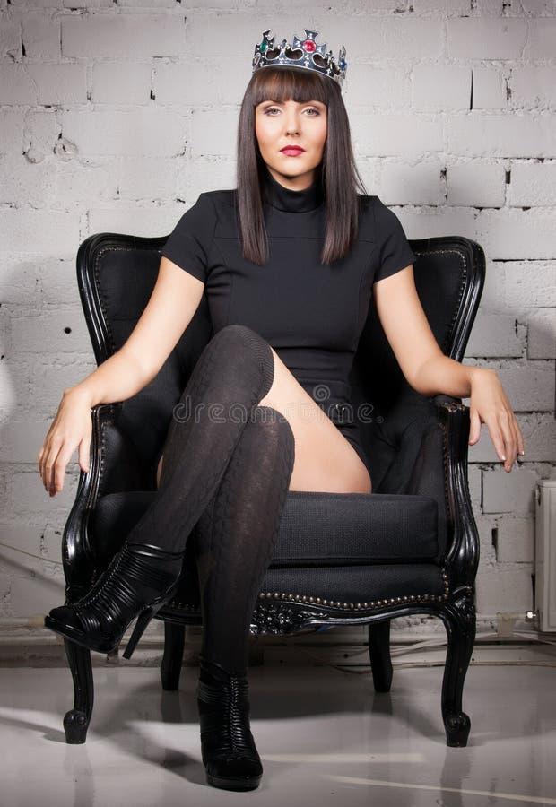Femme sexy dans la couronne photo libre de droits