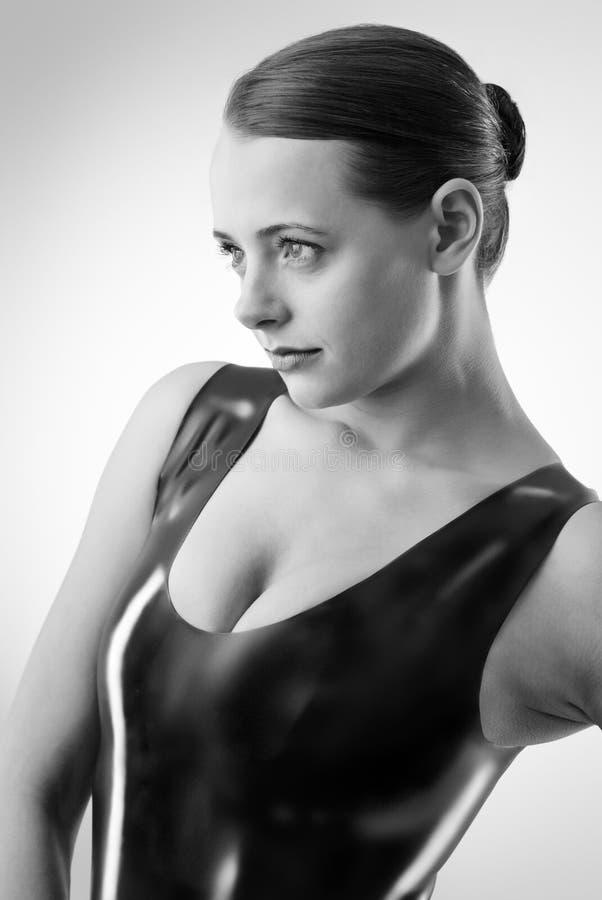 Femme sexy dans le latex photographie stock libre de droits