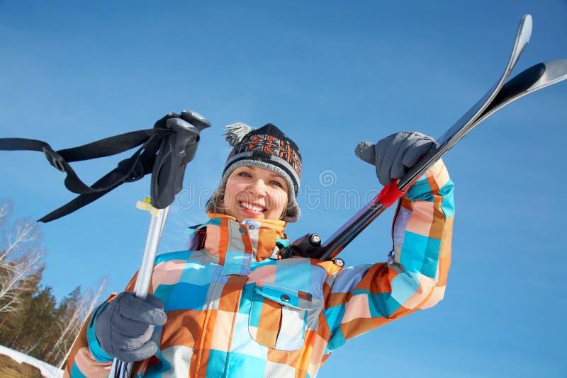 Femme - skieur photographie stock libre de droits