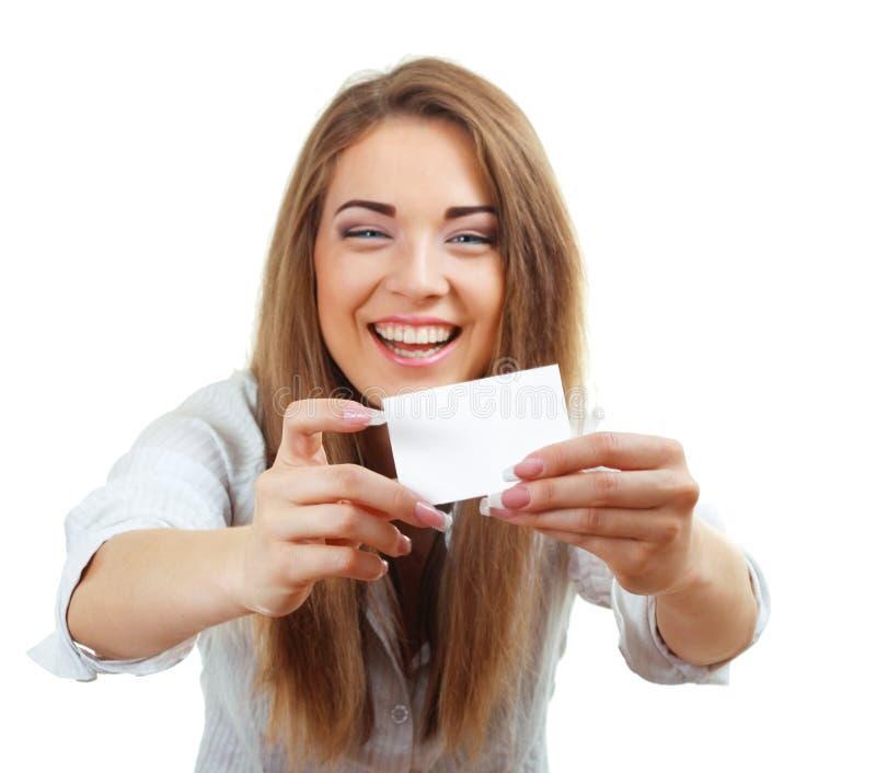 Femme souriant retenant la carte images libres de droits