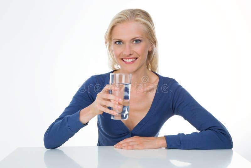 Femme souriante sur le plan rapproché images stock