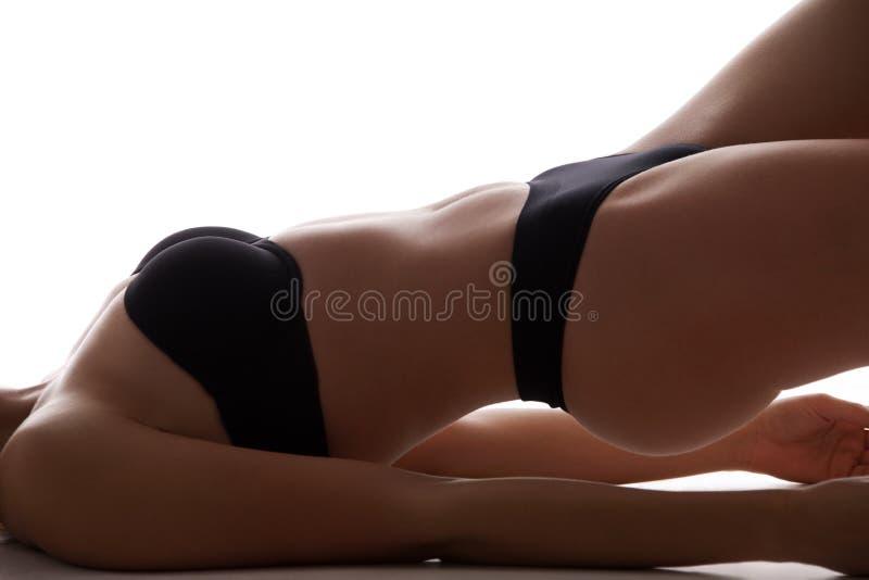 Femme sportive dans le bikini photo stock