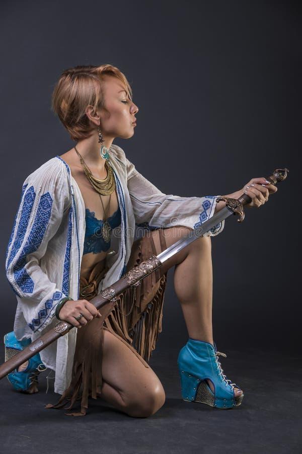 Femme tribale moderne de guerrier photo libre de droits