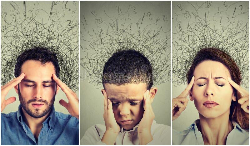 Femme triste, homme et enfant avec l'expression soumise à une contrainte inquiétée de visage et cerveau fondant dans des lignes p photo stock