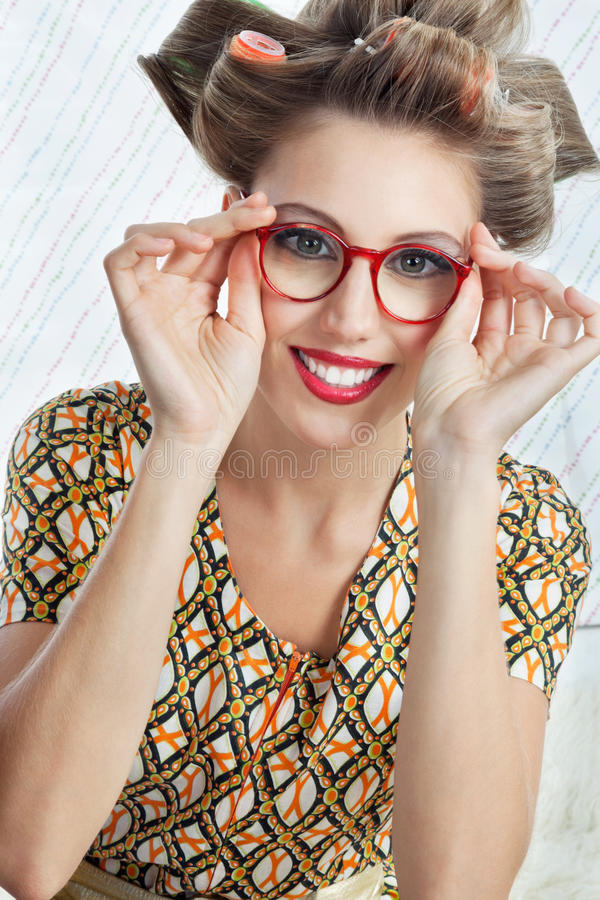femme utilisant les lunettes rouges de vintage photo stock image 36932200. Black Bedroom Furniture Sets. Home Design Ideas