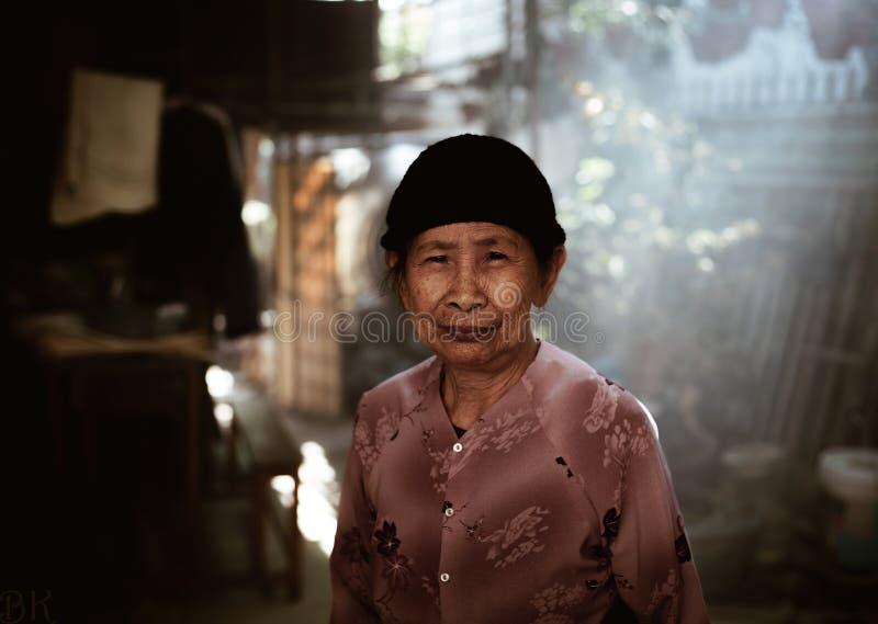 Femme vietnamien images stock