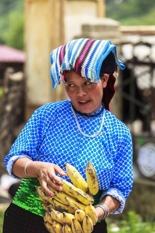 Femme vietnamienne dans le nord du Vietnam images stock