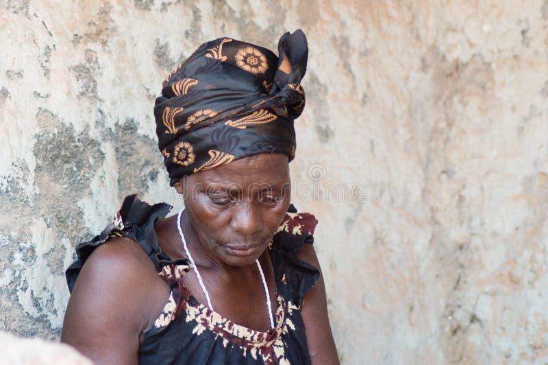 Download Femmes Africaines Dans Le Village Image stock - Image du tension, camisole: 54438585
