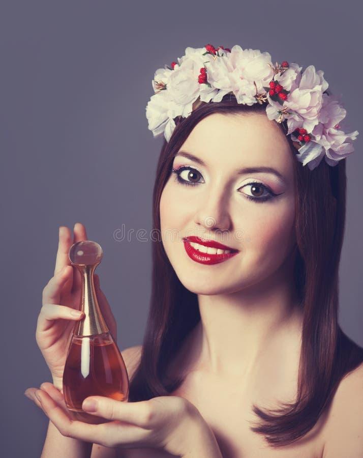Femmes avec le parfum. photos stock