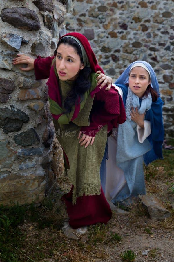 Femmes découvrant la résurrection de Jésus image libre de droits
