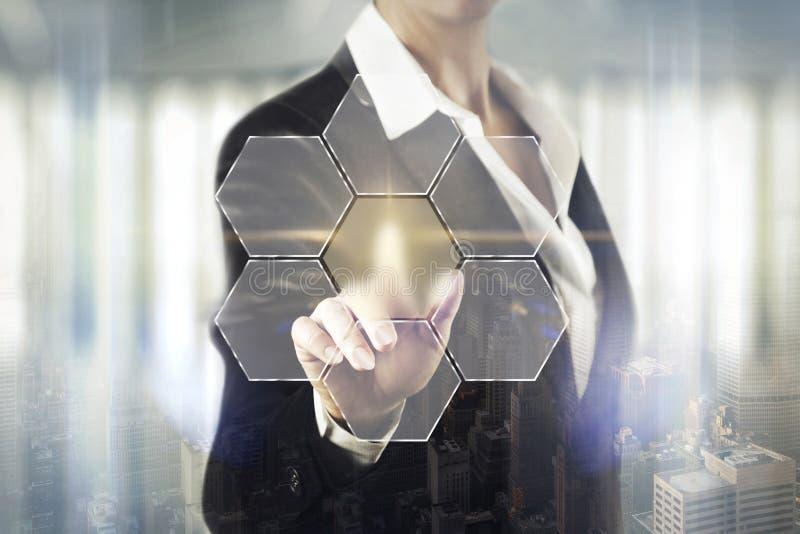 Femmes d'affaires touchant l'écran abstrait illustration de vecteur
