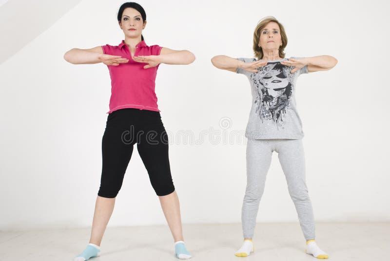 Femmes d'exercices d'entraînement photos stock