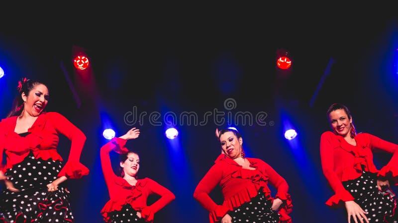 Femmes dansant le flamenco photo libre de droits