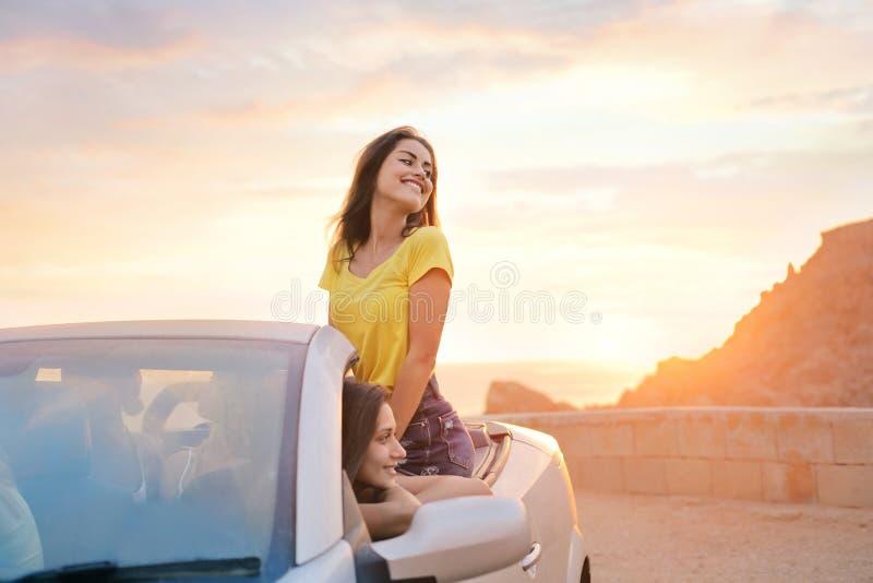 Femmes en voyage images libres de droits