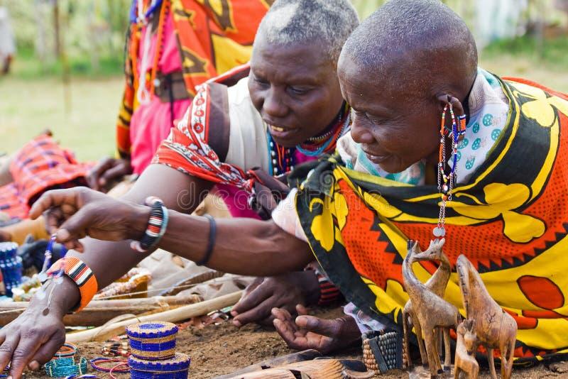 Femmes pluses âgé de masai photos stock