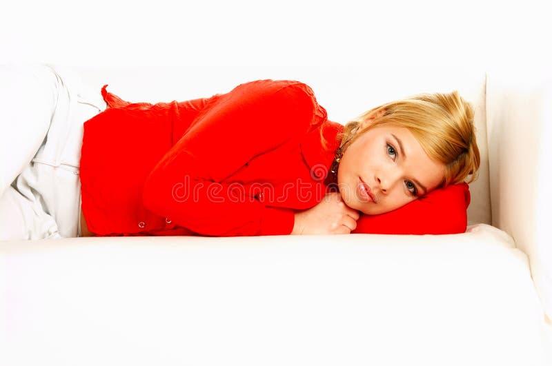 Femmes sur le divan photos libres de droits