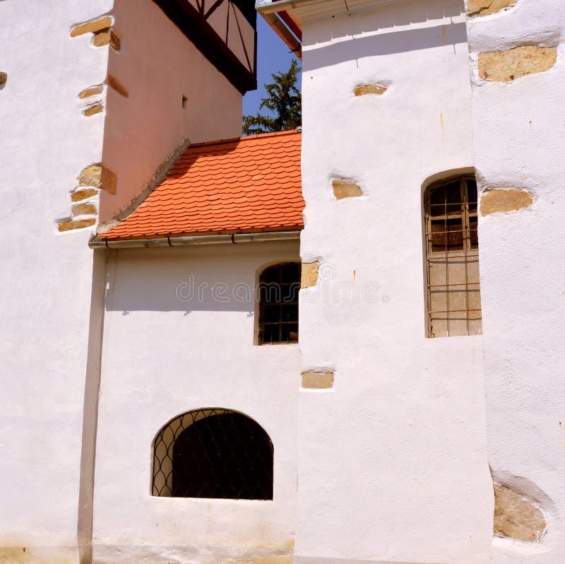 Fenêtre Église évangélique saxonne médiévale enrichie dans Veseud, Zied, Transilvania, Roumanie images libres de droits