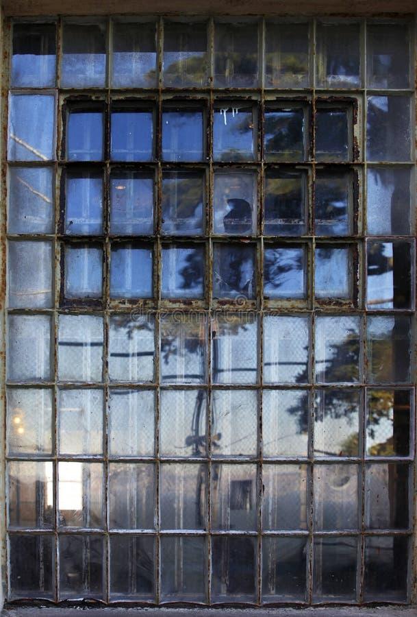 Fenêtre avec des barres dans la prison d'Alcatraz image libre de droits